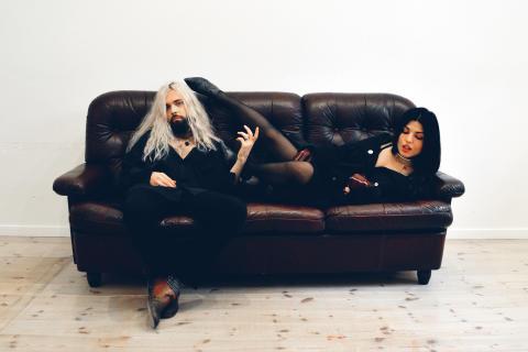 Flora Cash förband till Miss Li i Göteborg och Stockholm i april