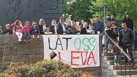 """Barnfamiljer från Junsele på Norra Bantorget: """"Rädda oss från Afghanistan!"""""""