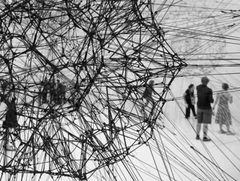 Tomás Saraceno, 25 feb – 20 jun. Pressvisning 23 feb kl. 10