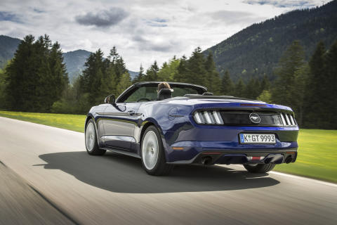 Ford Mustang cab rear