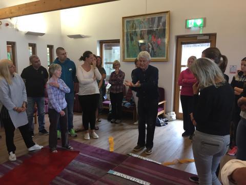 Äldreomsorgen lär om inkludering och fredsarbete på Nordirland