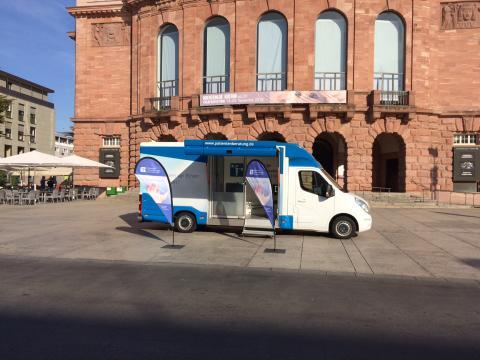 Beratungsmobil der Unabhängigen Patientenberatung kommt am 19. September nach Mainz.