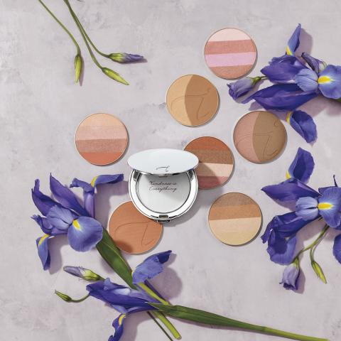 IMC_anniversary_bronzers_with_silver_compact_69308_RGB