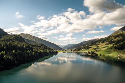 Davoser See in Graubünden. Copyright: Schweiz Tourismus.