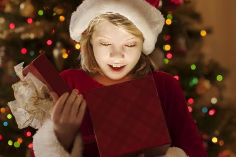 Schyyyy....se hvad der ligger under juletræet