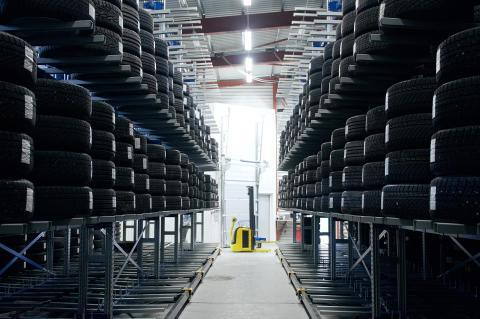 SSI Schäfer har siden lanceringen af de nye mobile grenreoler kunnet dække alle behov inden for dækopbevaring