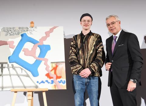 Tom König erhält das Kunststipendium der apoBank