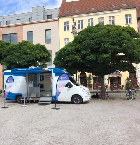 Beratungsmobil der Unabhängigen Patientenberatung kommt am 21. Juni nach Brandenburg an der Havel.