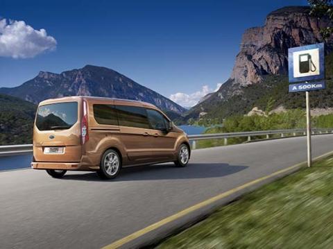 Täysin uusi Ford Tourneo Connect ja palkittu 1.0 litran EcoBoost-moottori: luokkansa johtavaa polttoainetaloudellisuutta