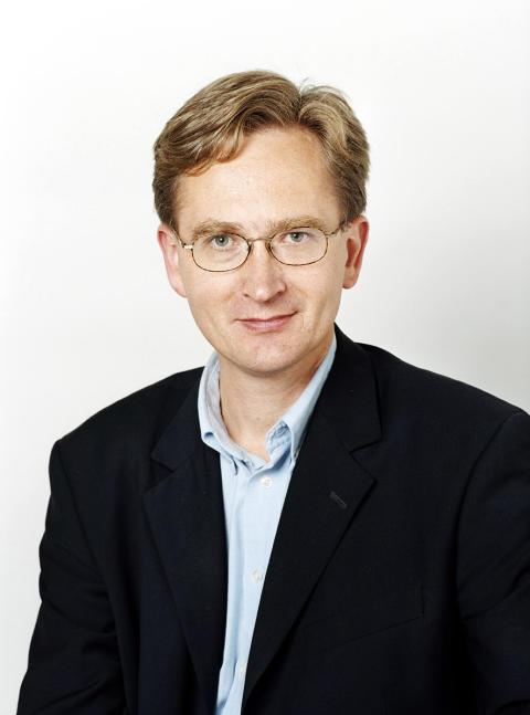 """Professor Joakim Dillner Årets Cancernätverkare """"Det är onödigt att vi har kvar cancerframkallande virus i samhället"""""""