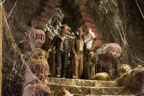 Indiana Jones og Krystalkraniets kongerige med Harrison Ford og Shia LaBeouf