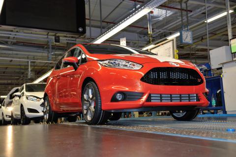 Ford aloittaa uuden Fiesta ST:n tuotannon; kaikkien aikojen nopein Fiestan tuotantomalli kiihtyy nollasta sataan alle 7 sekunnissa