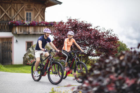Radfahren in Südtirol: Unsere Tipps für sicheres, angenehmes E-Bike-Fahren