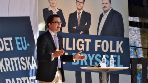 Jimmie Åkesson talar på partikonferens i Västerås 31 maj