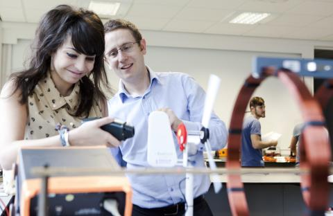 £1.2m grant to help young people to 'Think Physics'