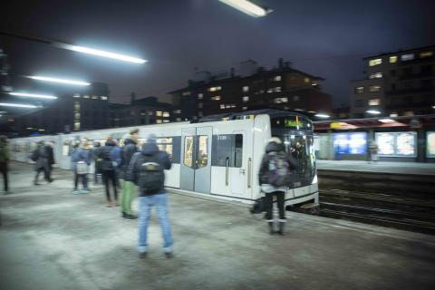 Avvikende drift på T-banen etter kabelbrann