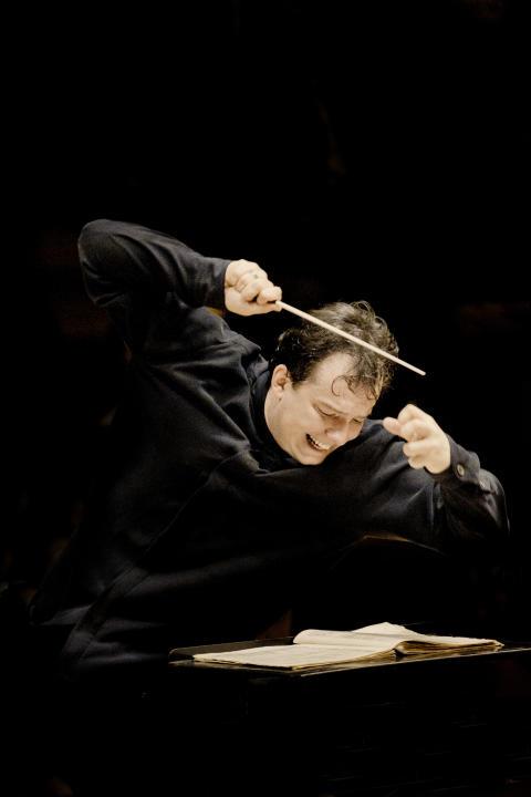 Andris Nelsons i årets Nobel Prize Concert