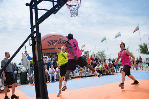 Basket under Hx 2015
