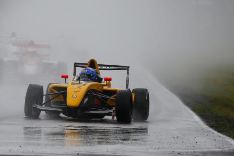 Edward Jonasson trea i Formula STCC Nordic på Gelleråsbanan. Foto: Tony Welam/STCC