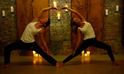 Pure Yoga på Hagabadet -  nu även med Hot yoga