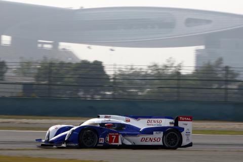 Storslam för Toyotas nya hybridracer