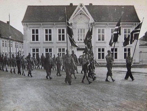 Innmarsj på Kirketorget Kongsberg 1937