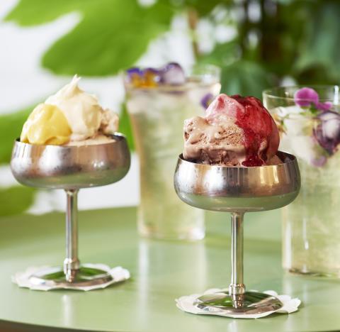Svenskt Tenn öppnar glass-servering på Strandvägen