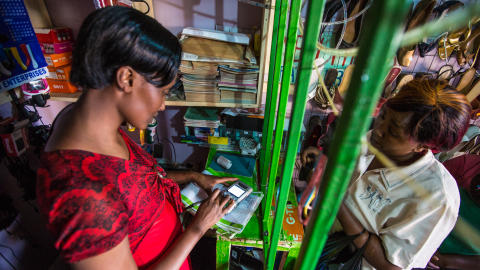 Dorca - Entreprenör i Kenya utbildad av Hand in Hand