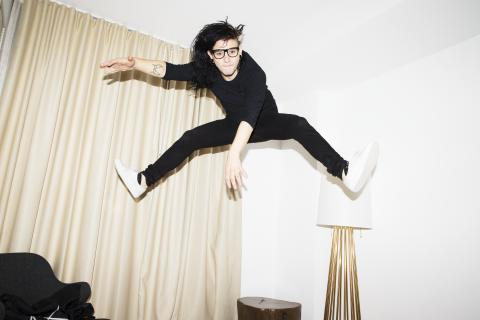 "Skrillex overrasker med albumet ""Recess"""