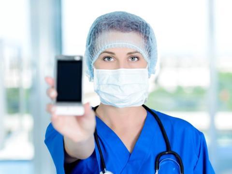 apoBank-Stiftung: Unterstützung für Corona-Ambulanzen und betroffene Kliniken durch mehrsprachige Triaphon-Helpline