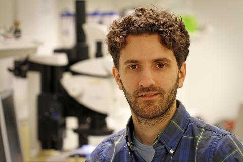 Valentin Dubois, forskare vid avdelningen Mikro- och nanosystem på KTH.