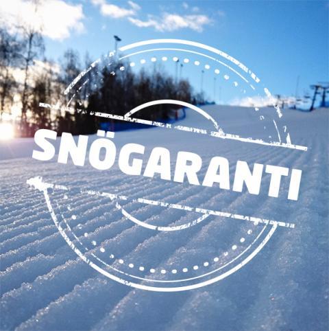 Köldgrader eller inte,  snön ligger säker i Flottsbrobacken!