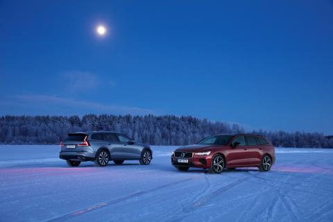 New Volvo V60 Cross Country T5 and New Volvo V60 T8