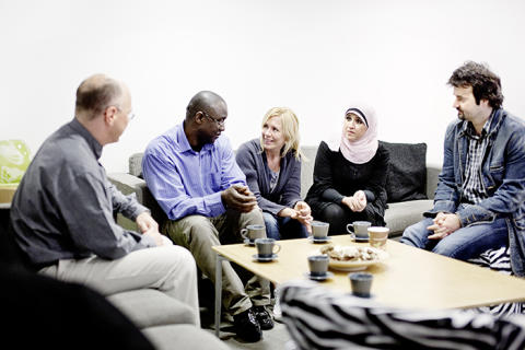 Yrkesmentorprogrammet fördubblas – fler mentorer behövs