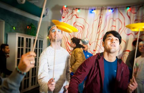 Clowner utan Gränser på ny turné för att möta asylsökande ungdomar