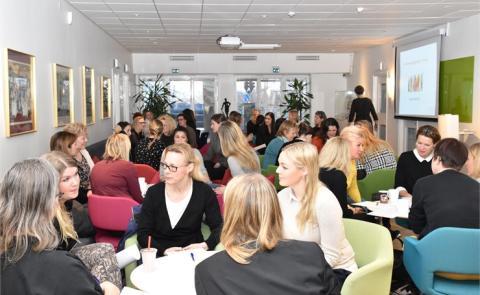 Hur skapar vi en attraktiv byggbransch som välkomnar och inkluderar fler kompetenta kvinnor?