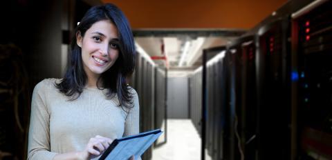 Uusi NetBotz 750 suojaa datakeskukset ihmisten ja olosuhteiden aiheuttamilta haitoilta