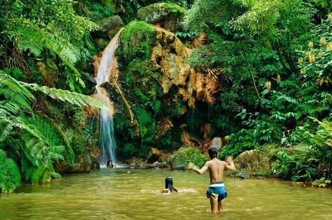 Naturlige varme kilder på Azorene