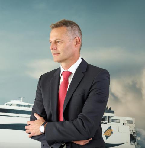 Molslinjens administrerende direktør, Carsten Jensen, kommenterer på regeringens planer om at sænke taksterne på Storebælt.