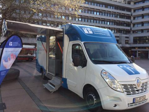Beratungsmobil der Unabhängigen Patientenberatung kommt am 22. Oktober nach Pforzheim.