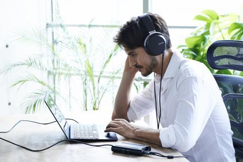 Наушники и плеер Sony с поддержкой High Resolution Audio