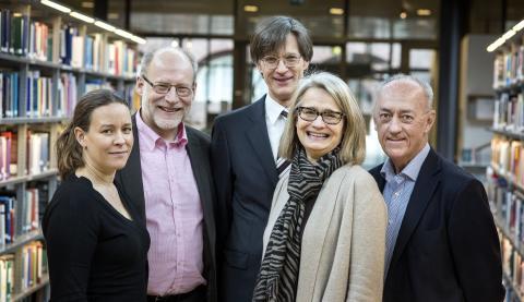 Här är kommissionen: Maria Wetterstrand (MP), Stefan Attefall (KD). Björn Hasselgren (KTH), Pia Kinhult (M) och Allan Larsson (S). Foto: Håkan Lindgren.