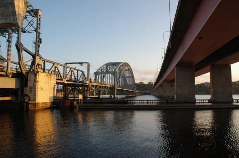 Billigare att bygga en ny bro