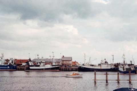 Small and medium-sized ports