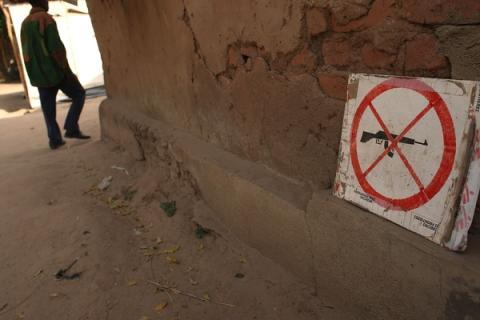 Centralafrikanska republiken: Läkare Utan Gränser drar ner insatser i efter massaker