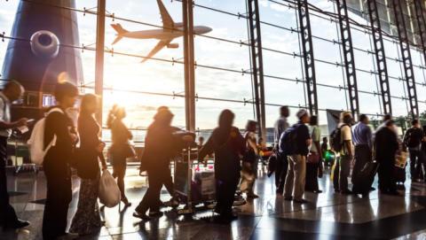 Amadeus investerer i CrowdVision for at hjælpe lufthavne med at håndtere øgede mængder af passagerer.