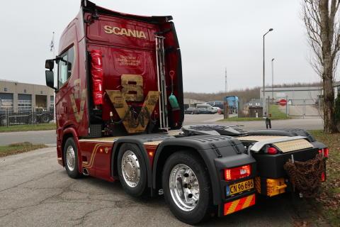 V8 Limited Edition #5 leveret til Kineseren