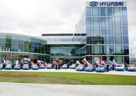 """Hyundai hedrar Fotbolls-VM med en """"Goodwill Car Road Show"""""""