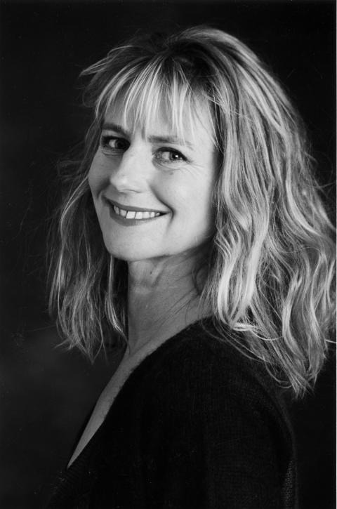 Lilian Brøgger portrett