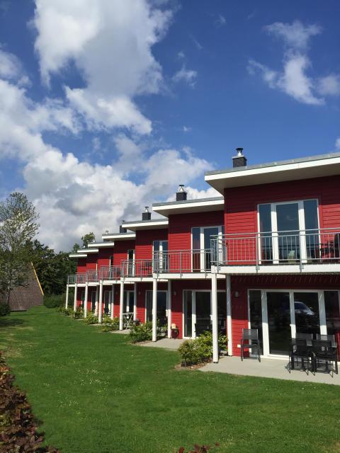 Premiumhaus_rot_hoch (2)_credit_Ostsee_Resort_Damp